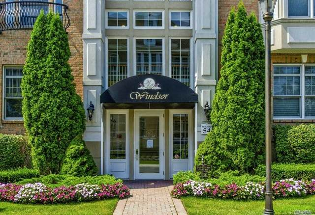 557 Pacing Way, Westbury, NY 11590 (MLS #3247484) :: Cronin & Company Real Estate