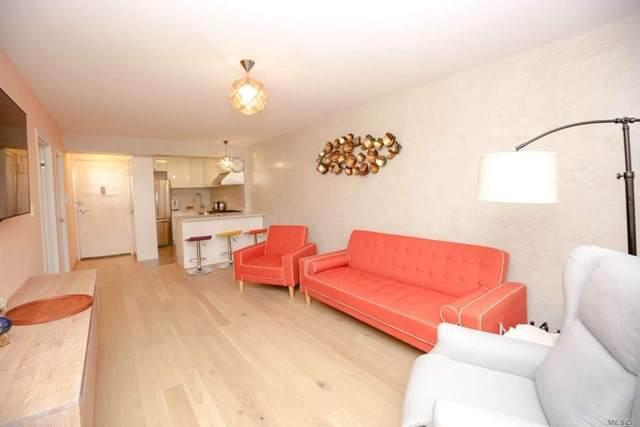 135-08 82 Avenue #304, Briarwood, NY 11435 (MLS #3247688) :: Cronin & Company Real Estate