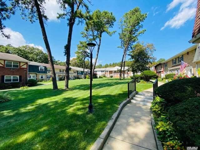 21 Glen Hollow Drive G30, Holtsville, NY 11742 (MLS #3248628) :: Nicole Burke, MBA | Charles Rutenberg Realty