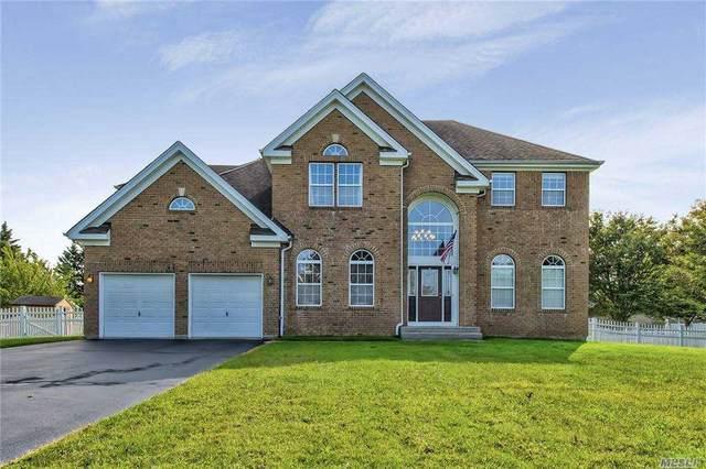 2 Ashford Lane, Huntington, NY 11743 (MLS #3252791) :: Mark Seiden Real Estate Team
