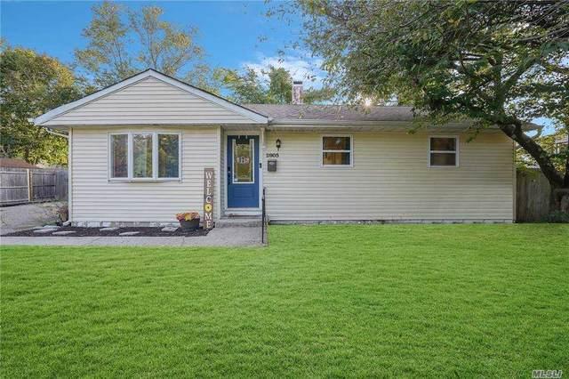 2805 Gull Avenue, Medford, NY 11763 (MLS #3254564) :: Kevin Kalyan Realty, Inc.