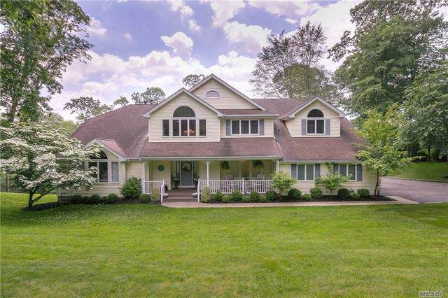 8 Riverview Terrace, Smithtown, NY 11787 (MLS #3254590) :: Keller Williams Points North - Team Galligan