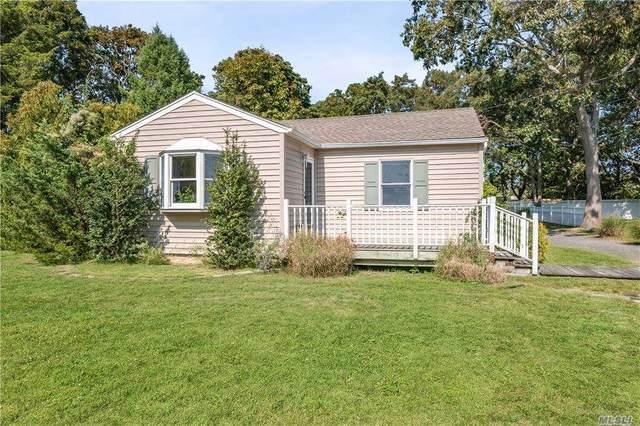 495 Riley Avenue, Mattituck, NY 11952 (MLS #3255899) :: Mark Seiden Real Estate Team