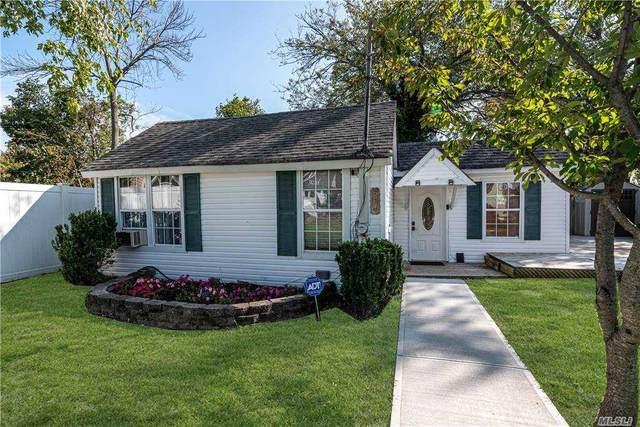 20 Pine Boulevard, Patchogue, NY 11772 (MLS #3255960) :: Signature Premier Properties