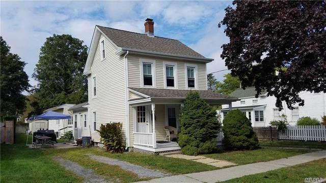 525 2nd Street, Greenport, NY 11944 (MLS #3255971) :: Mark Seiden Real Estate Team