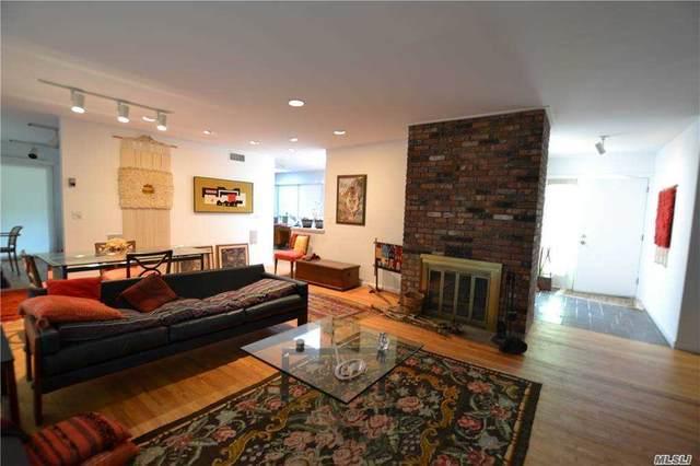 14 Pin Oak Ln, Westhampton Bch, NY 11978 (MLS #3256092) :: Mark Seiden Real Estate Team