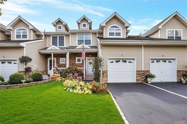 7 Terrace Lane #7, Patchogue, NY 11772 (MLS #3256631) :: Cronin & Company Real Estate