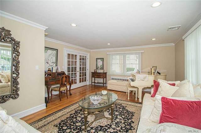 6 Secatogue Ln, West Islip, NY 11795 (MLS #3256987) :: Mark Seiden Real Estate Team