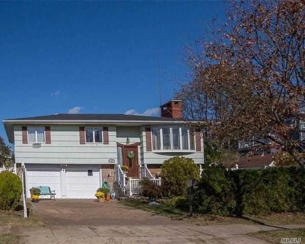 10 W Saltaire Road, Lindenhurst, NY 11757 (MLS #3257133) :: Mark Seiden Real Estate Team