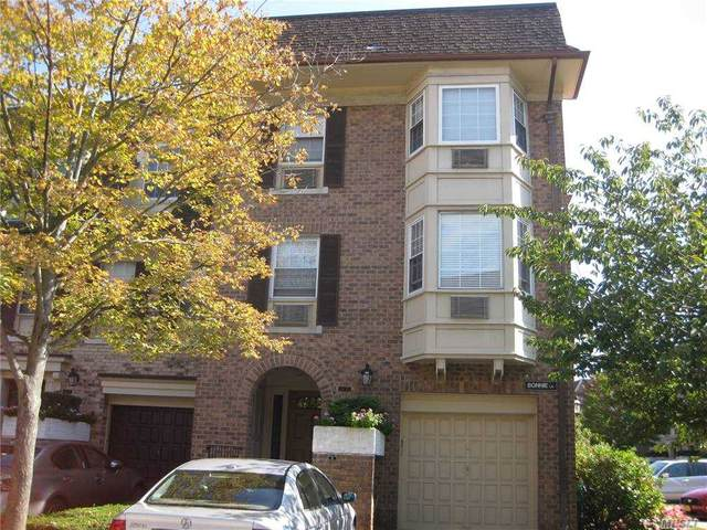 14-15 Bonnie Lane 105 M, Bayside, NY 11360 (MLS #3257463) :: Mark Boyland Real Estate Team
