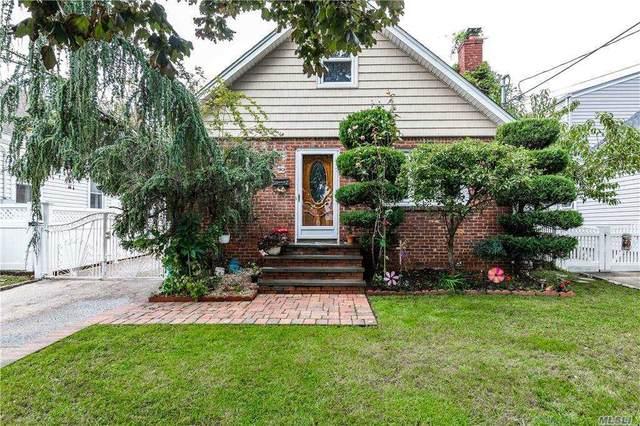 90 Albertson Place, Mineola, NY 11501 (MLS #3258123) :: Nicole Burke, MBA | Charles Rutenberg Realty