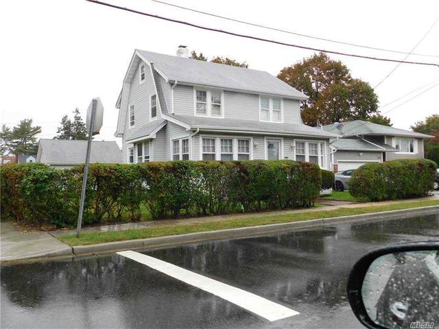 370 Bedford Avenue, Uniondale, NY 11553 (MLS #3260688) :: Kevin Kalyan Realty, Inc.