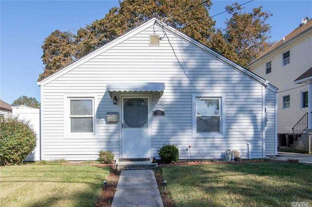 31 Chamberlain Street, Hempstead, NY 11550 (MLS #3261475) :: Nicole Burke, MBA | Charles Rutenberg Realty