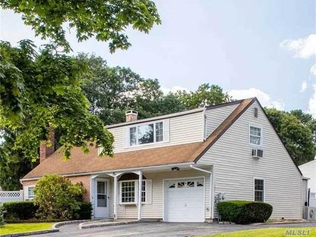 1 Virginia Pine Drive, Medford, NY 11763 (MLS #3261594) :: Frank Schiavone with William Raveis Real Estate