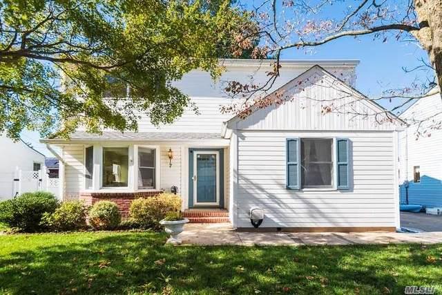 7 Sherwood Road, Glen Cove, NY 11542 (MLS #3261858) :: Nicole Burke, MBA | Charles Rutenberg Realty