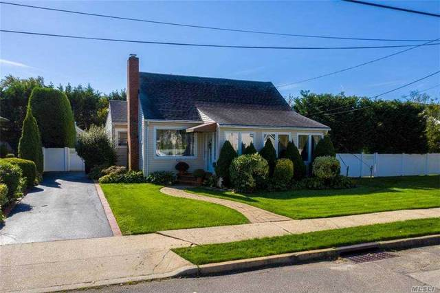 35 Hampton Boulevard, Massapequa, NY 11758 (MLS #3262456) :: Signature Premier Properties