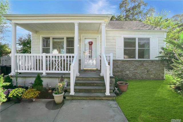 26 Oaklawn Avenue, Farmingville, NY 11738 (MLS #3262558) :: Signature Premier Properties