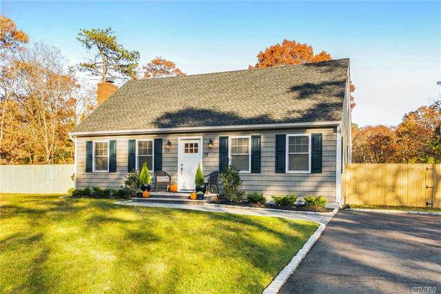 13 Evergreen Ct, E. Quogue, NY 11942 (MLS #3262899) :: Nicole Burke, MBA | Charles Rutenberg Realty