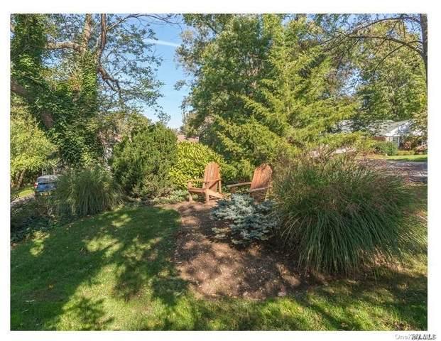 8 Woodedge Rd, Manhasset, NY 11030 (MLS #3262940) :: Nicole Burke, MBA | Charles Rutenberg Realty
