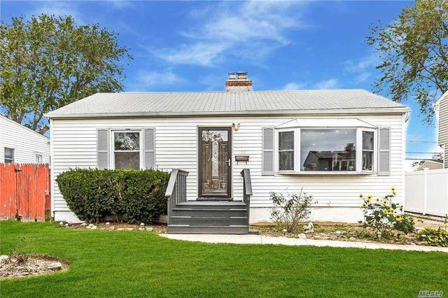 58 Robert St, Freeport, NY 11520 (MLS #3263100) :: Kendall Group Real Estate | Keller Williams