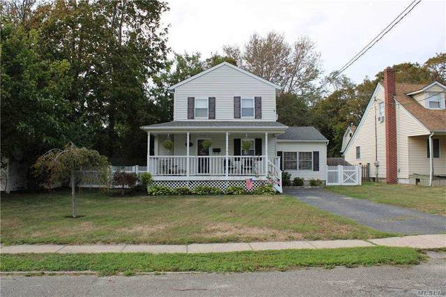 11 Park Street, Blue Point, NY 11715 (MLS #3263232) :: Live Love LI
