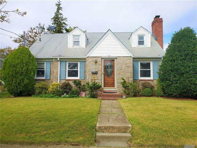 1647 Jasmine Avenue, New Hyde Park, NY 11040 (MLS #3263241) :: Live Love LI