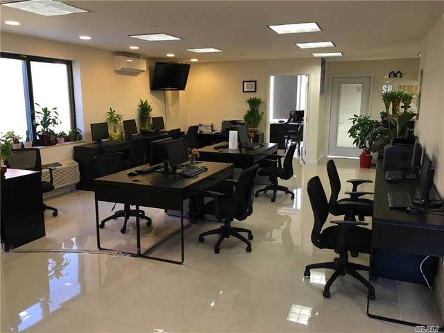 31-38 137th Street #201, Flushing, NY 11354 (MLS #3263281) :: Mark Boyland Real Estate Team