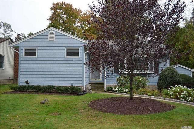 16 Brooks Avenue, Huntington, NY 11743 (MLS #3263589) :: Signature Premier Properties