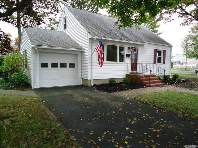 1825 N Strongs Rd, Copiague, NY 11726 (MLS #3263810) :: Nicole Burke, MBA | Charles Rutenberg Realty