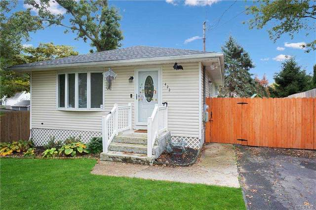 422 Deer Rd, Ronkonkoma, NY 11779 (MLS #3264013) :: William Raveis Baer & McIntosh