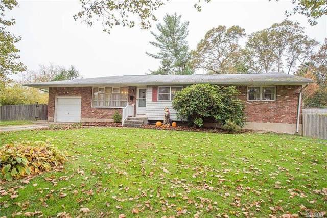 7 Bridle Lane, S. Huntington, NY 11746 (MLS #3264468) :: William Raveis Baer & McIntosh