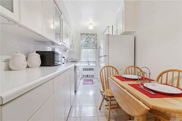 33-45 90 2F, Jackson Heights, NY 11372 (MLS #3264742) :: Signature Premier Properties