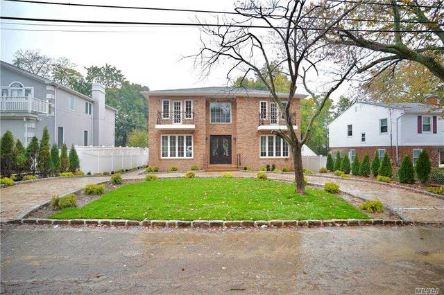 15 Summer Ave, Great Neck, NY 11020 (MLS #3265341) :: Cronin & Company Real Estate