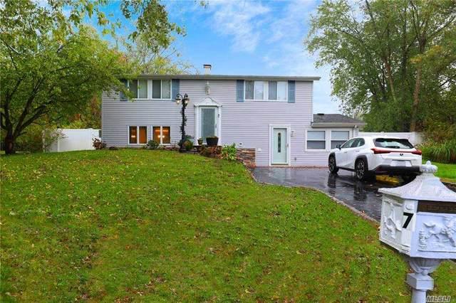 7 Ivy League Lane, Stony Brook, NY 11790 (MLS #3265356) :: William Raveis Baer & McIntosh