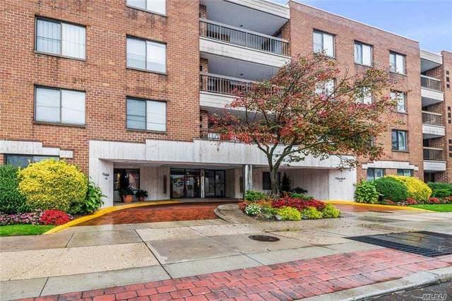 376 Central Avenue 4M, Lawrence, NY 11559 (MLS #3265381) :: Mark Boyland Real Estate Team
