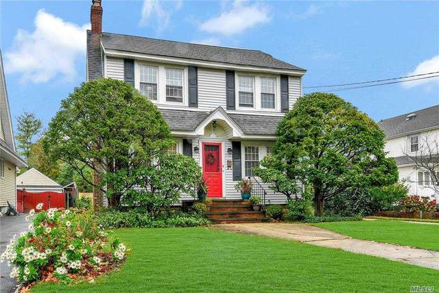 2 Highland Blvd, Lynbrook, NY 11563 (MLS #3265440) :: The McGovern Caplicki Team