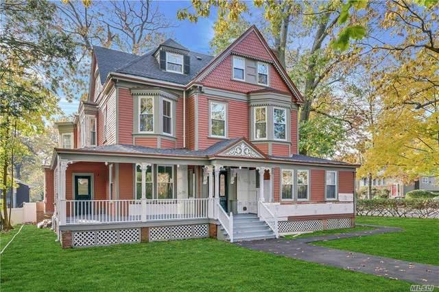 204 Warner Ave, Roslyn Heights, NY 11577 (MLS #3267348) :: McAteer & Will Estates | Keller Williams Real Estate