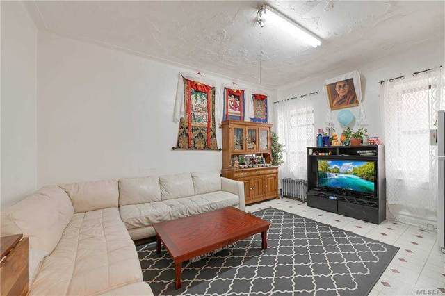 70-35 Broadway A20, Jackson Heights, NY 11372 (MLS #3267413) :: Mark Boyland Real Estate Team