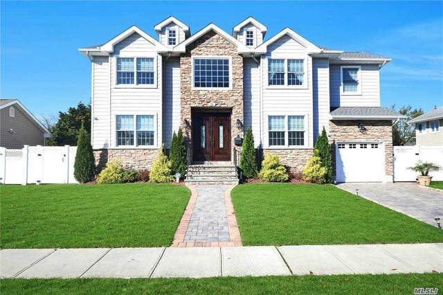 11 Gloria, Plainview, NY 11803 (MLS #3269817) :: Shalini Schetty Team