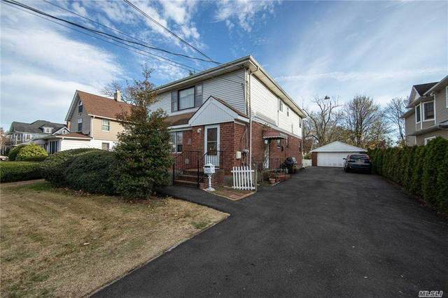 30 Reid Ave, Rockville Centre, NY 11570 (MLS #3270684) :: Mark Boyland Real Estate Team