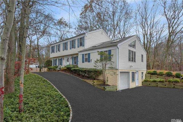 536 Pond Path, Setauket, NY 11733 (MLS #3273181) :: The McGovern Caplicki Team