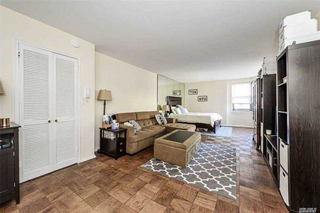 70-25 Yellowstone Boulevard 14B, Forest Hills, NY 11375 (MLS #3276886) :: Mark Boyland Real Estate Team