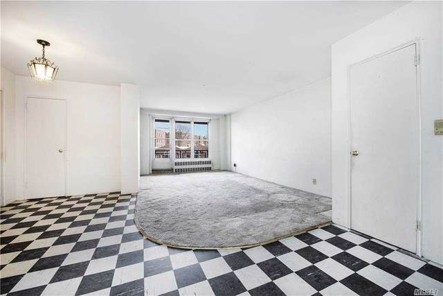 35-31 85 Street 5J, Jackson Heights, NY 11372 (MLS #3278077) :: The McGovern Caplicki Team