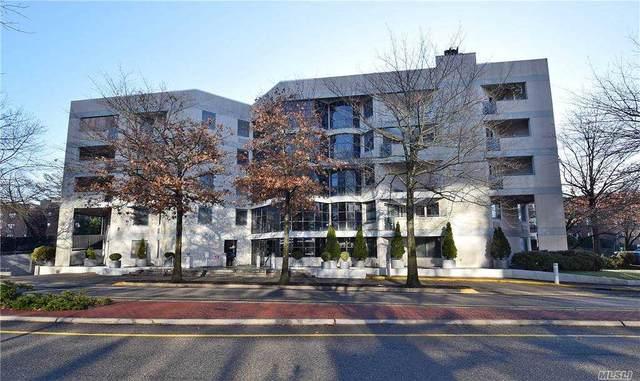 100 Great Neck 3C, Great Neck, NY 11021 (MLS #3278208) :: Mark Boyland Real Estate Team