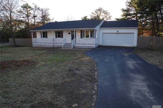 18 Heather Court, Middle Island, NY 11953 (MLS #3278451) :: Mark Boyland Real Estate Team