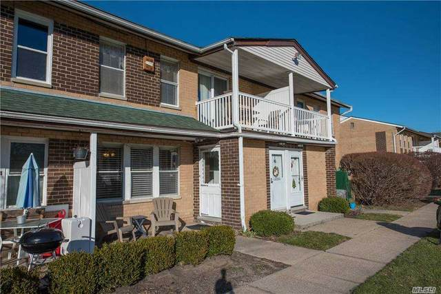 45 Artist Lake Drive #45, Middle Island, NY 11953 (MLS #3280272) :: Mark Boyland Real Estate Team