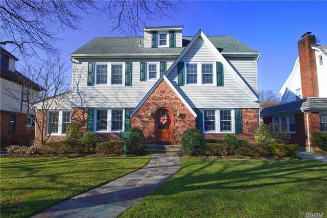 118 Meadbrook Road, Garden City, NY 11530 (MLS #3280686) :: Nicole Burke, MBA | Charles Rutenberg Realty