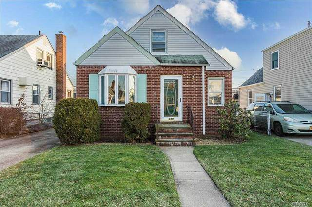 235 Arlington St, Mineola, NY 11501 (MLS #3280781) :: Signature Premier Properties