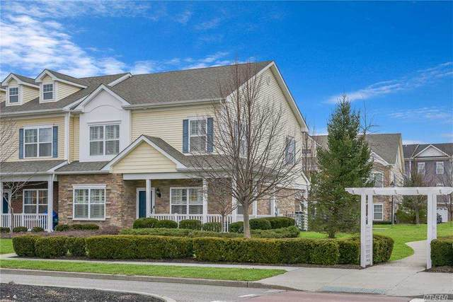 27 Lager Lane, Patchogue, NY 11772 (MLS #3280912) :: Mark Boyland Real Estate Team