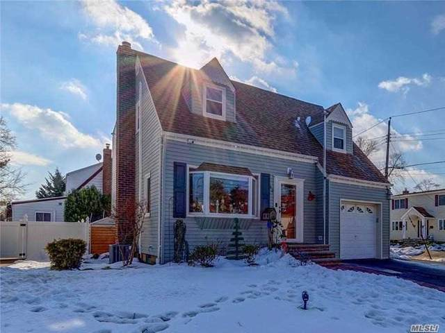 52 Hendrickson Avenue, Lynbrook, NY 11563 (MLS #3282319) :: Mark Boyland Real Estate Team
